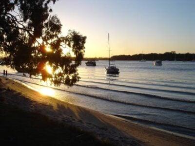 1 / 9 Hilton Esplanade, Noosaville - Tour Australia In Style - Australia Travel