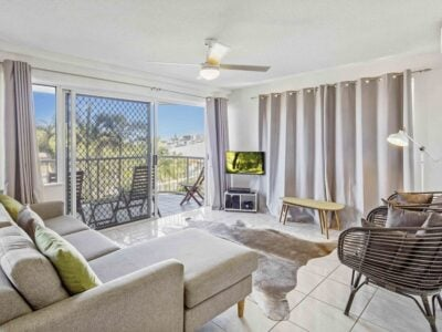 Cheltenham Apartments - Caloundra - Tour Australia In Style - Australia Travel