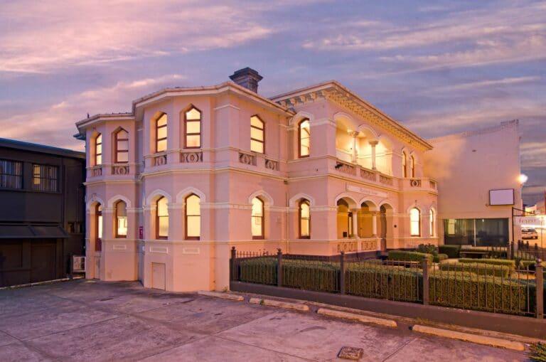 Roxburg Apartments - Tour Australia In Style - Australia Travel